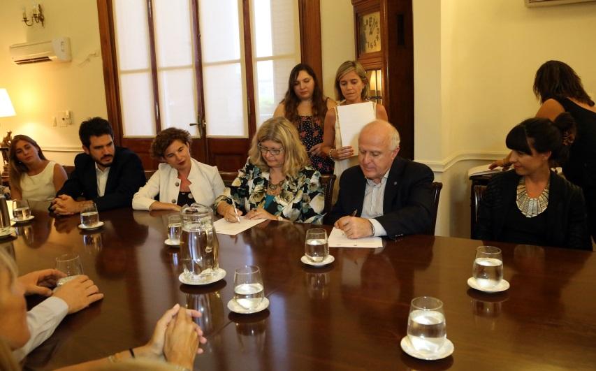 firma del convenio CA-Sta Fe